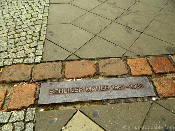 berlin wall essay intro
